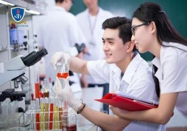 Định hướng nghề nghiệp tương lai: Ngành Dược được ưu tiên