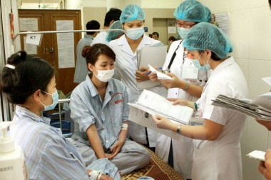Đào tạo Y Dược phải gắn sinh viên với người bệnh