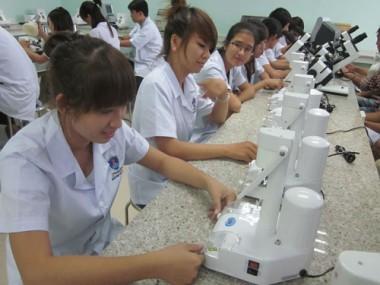 Học lực trung bình có đủ điều kiện học Cao đẳng Y tế Hà Nội ?