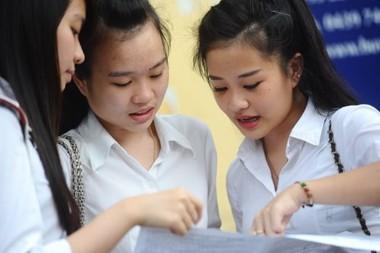 Điểm chuẩn 2017 giữa 2 đợt xét tuyển chính sẽ chênh lệch thế nào?