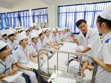 Học cao đẳng điều dưỡng ở đâu ?